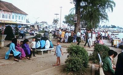 Bờ sông Tiền ở thị xã Mỹ Tho dịp Tết 1972